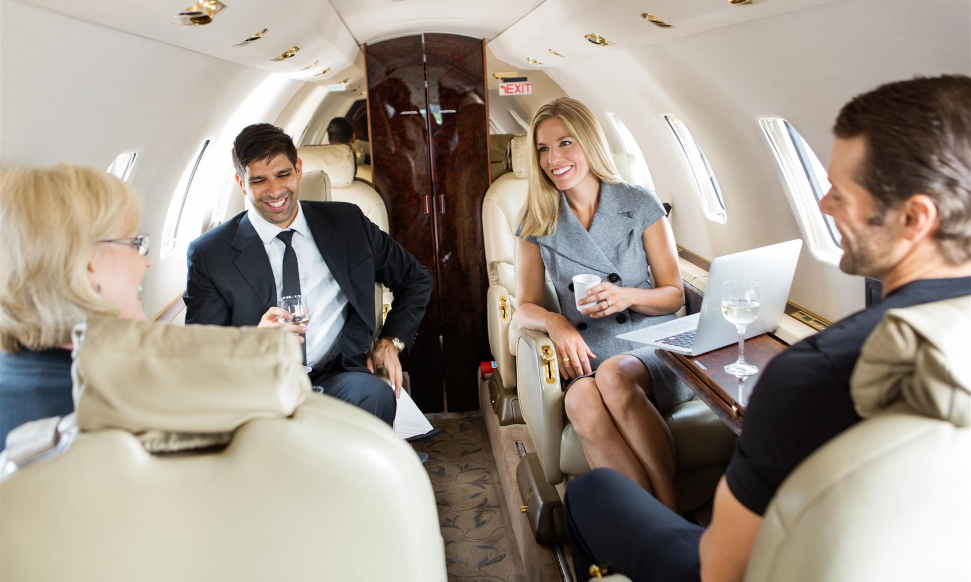 全球资讯_iFlyPlus | 中国最大私人飞机平台,提供公务包机、海岛包机、顶级 ...